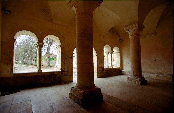 abbayecisterciennedepontigny89390013.jpg